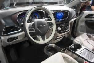 Chrysler 200 Interior Camera 2017 Chrysler Pacifica Review Release 2016 2017 Best Suv