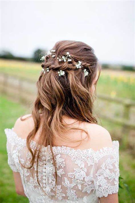 Wedding Hairstyles Up With Flowers by 25 Best Flowers For Hair Hairstyles 2016 2017