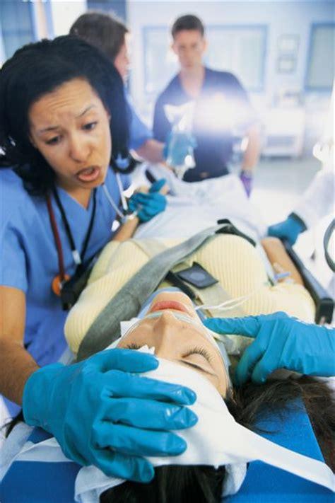 emergency room nurses exles of emergency nursing questions everyday global post