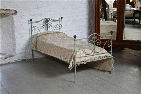 pretty forged iron shabby chic single bed 174735 sellingantiques co uk
