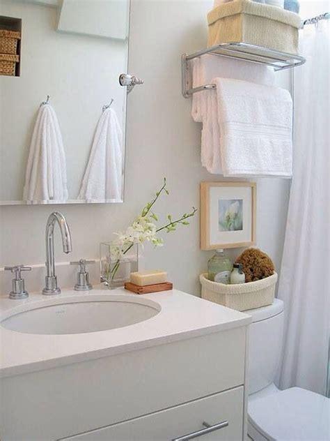 los espacios more bathroom design home ideas space saver furniture cabinet shelf vanity sink bath modern