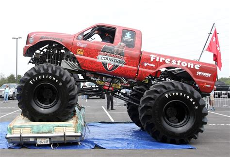 how long is the monster truck 100 how long are monster truck shows grave digger