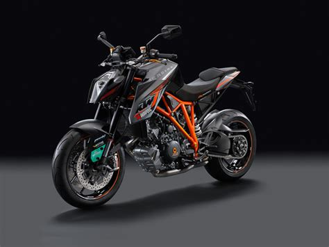 Ktm 1290 Duke R Review 2015 Ktm 1290 Duke R Track Ride Review Gearopen