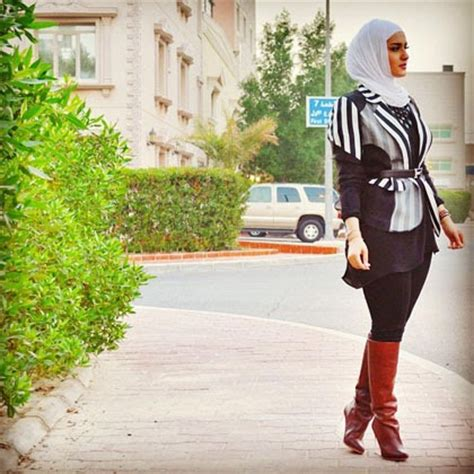 Tote Bag Hijabers clothing tips mix and match the stylish monochrome