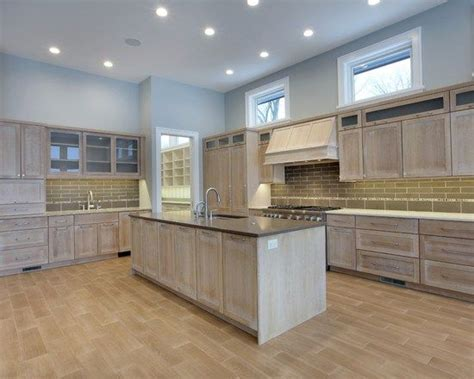 kitchen remodels with oak cabinets best 25 whitewash cabinets ideas on whitewash