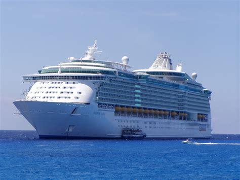 cruise ship freedom of the seas reviews royal caribbean
