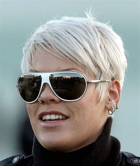 Singer Pink Hairstyles by 1000 Ideas About Singer Pink Hairstyles On