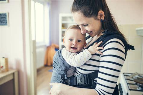 Gendongan Bayi Nyaman begini cara gendong bayi dengan aman dan nyaman