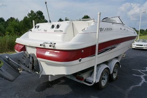 larson boats escape 234 larson 234 escape 2000 for sale for 9 000 boats from