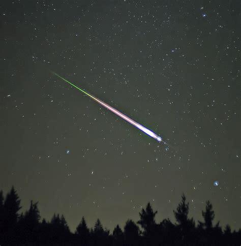Leonid Meteor Showers leonids