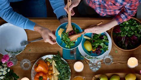 alimentazione crudista dieta crudista come funziona cosa mangiare 249 di
