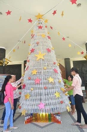 membuat puisi natal bikin pohon natal dari limbah plastik
