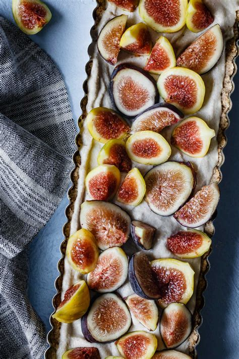 le vogelkäfig honey cardamom fig tart le petit eats