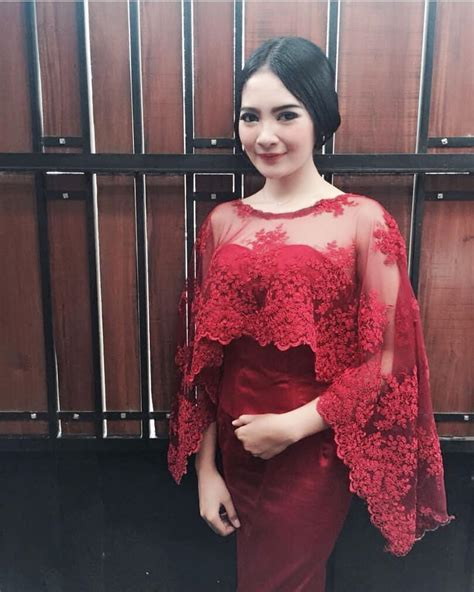 Qanita Gaun model kebaya lamaran wallpaper
