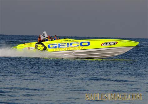 miss geico boatmad - Geico Boat