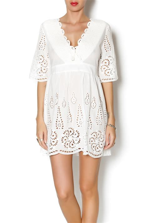 Trends For Summer Eyelet Accents When You Just Cant Commit Second Cty Style Fashion by Trendology White Eyelet Tunic From Indiana By Mink