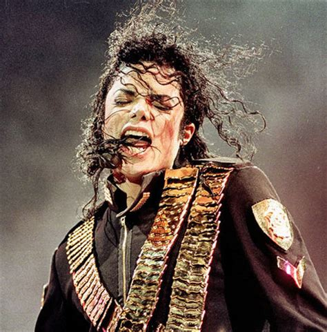 pop singer death fans around the world honor michael jackson during one