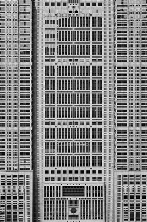 grid pattern in buildings fiore rosso the grid somewhere in tokyo architecture