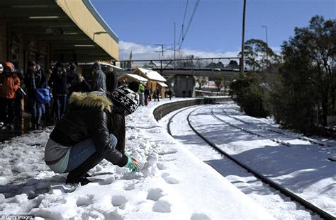 australian weather sees antarctic chill bringing snow to