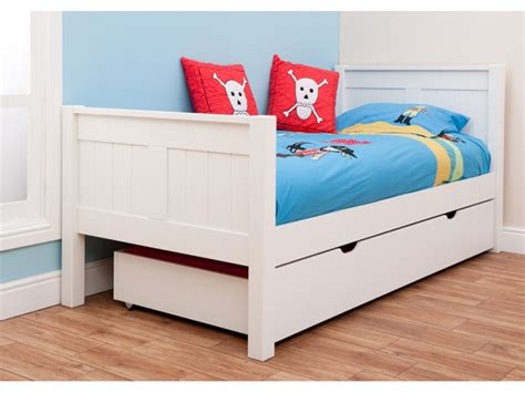cool toddler beds jen joes design different toddler