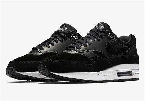 Nike Airmax 1 Black nike air max 1 black chrome skulls 875844 001