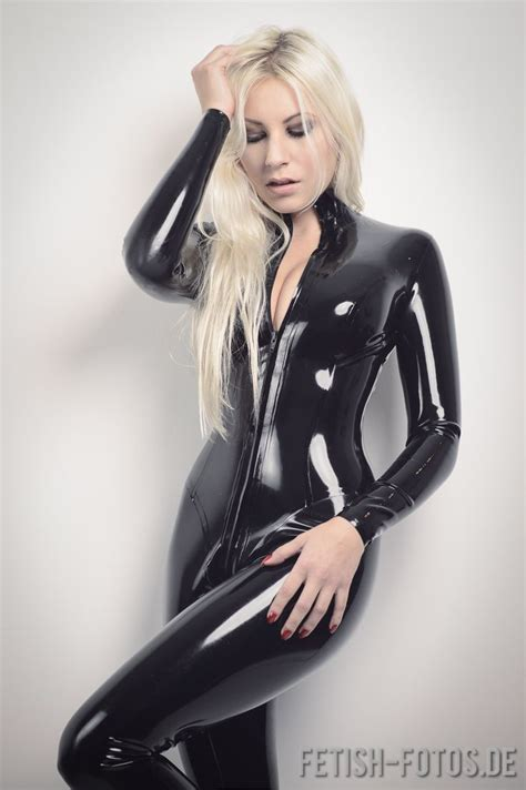 imagenes de latex lutiheen wearing a princess latex catsuit from latexcrazy