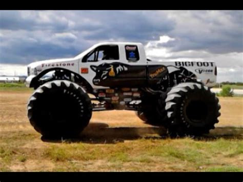 bigfoot truck 2014 bigfoot truck crushes jumps cars rich ford