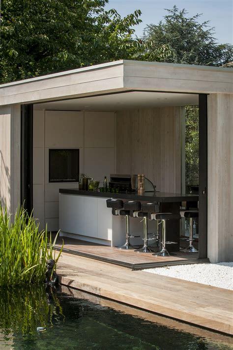 Modern Home Living poolhouse en buitenkeuken bogarden
