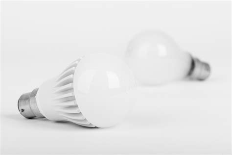 incandescent light bulb vs led led vs incandescent semiconductors are kicking edison s
