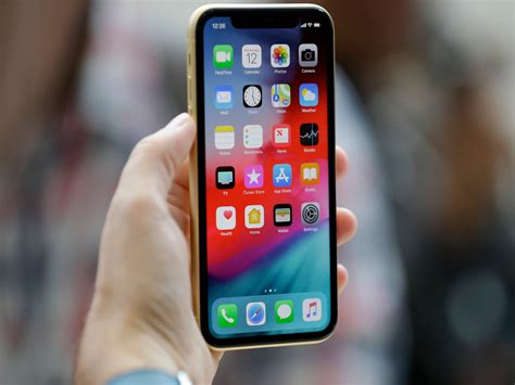 iphone xs and xs max buyers are complaining that their new devices bad wifi and cell signal