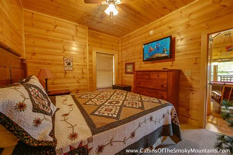 4 bedroom cabins in pigeon forge pigeon forge cabin family traditions 4 bedroom
