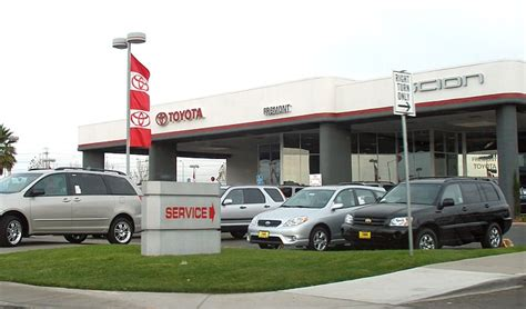 Toyota Car Dealers File Toyotadealership Jpg Wikimedia Commons