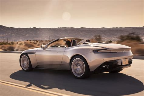 Aston Martin Spider by Aston Martin Db11 Volante Una Spider Da 300 Km H