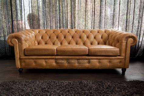 chester field sofa insanely beautiful italian chesterfield sofa poltrona frau