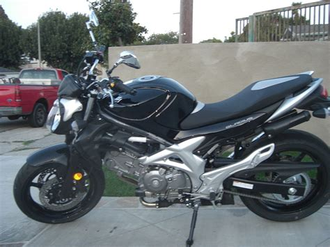 Suzuki V2 Motorrad by Suzuki Gladius