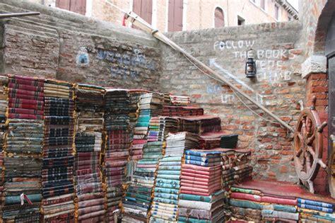 librerie a venezia venezia le librerie imperdibili in centro