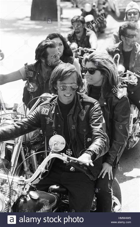 Motorrad Gang Film by Peter Fonda Und Nancy Sinatra Am Set Von 1966 Roger Corman
