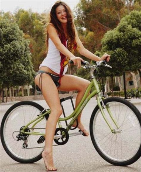 im a celebrity web page i m a fan love girls on bikes barnorama