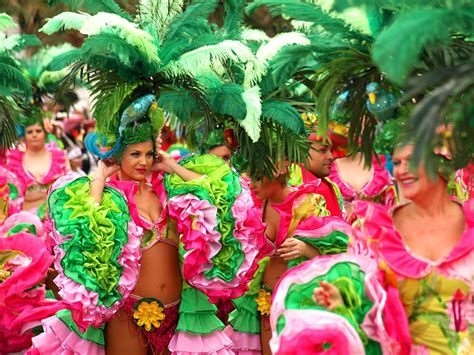 Vacances Carnaval 2018 Les Carnavals D Espagne 2018 Cadix Tenerife Sitges Et