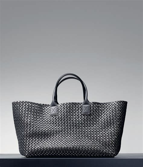 Bottega Cabat bottega veneta pre fall 2014 bag collection spotted fashion