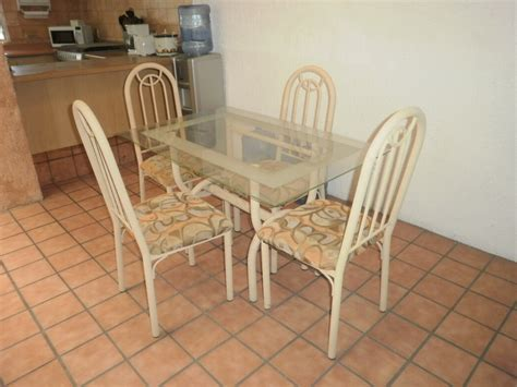 dining room table and chairs for sale