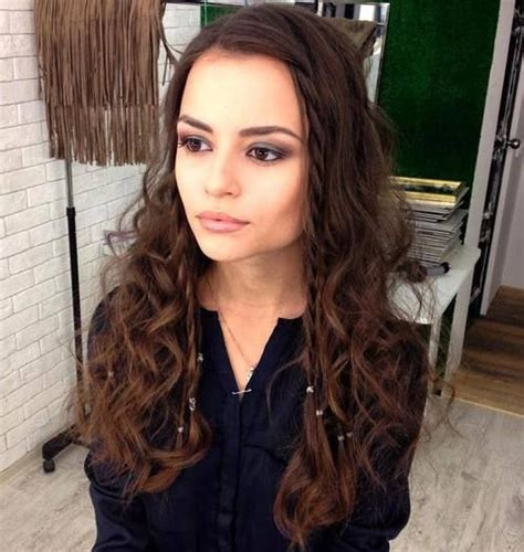 curly hairstyles for square jaw line 50 best hairstyles for square faces rounding the angles