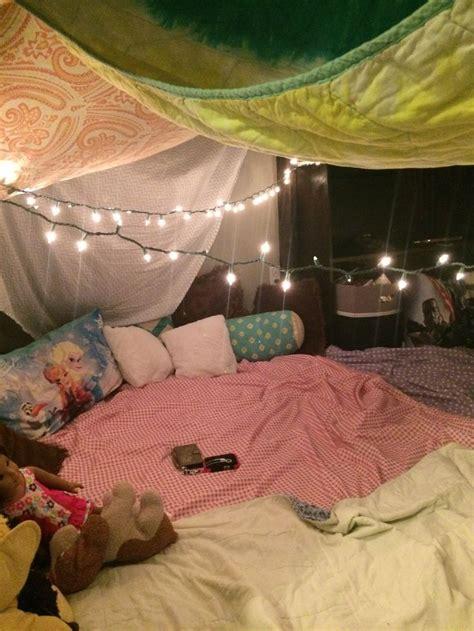 nocka na trampolinie sleepover room sleepover forts