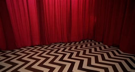 david lynch red curtains 1st look at modern day twin peaks takes us from black