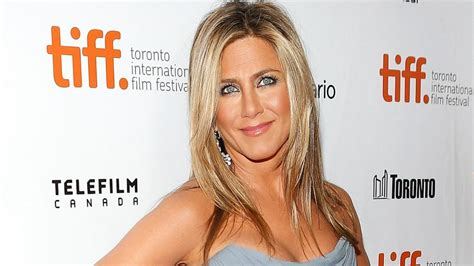 jennifer aniston reveals struggles with dyslexia anger jennifer aniston news photos and videos abc news