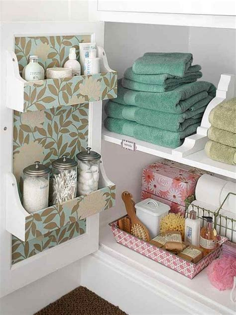 Creative Bathroom Storage Ideas by 18 Creative Amp Useful Diy Storage Ideas For Tiny Bathrooms