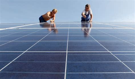 Mba For Renewable Energy Industry by Solar Power S Bright Future Stanford Graduate School Of