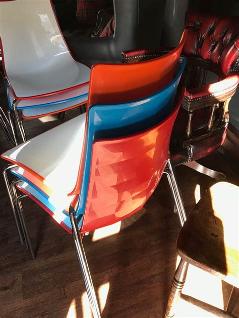 secondhand chairs  tables cafe  bistro chairs  colourful gecko shell dining chairs