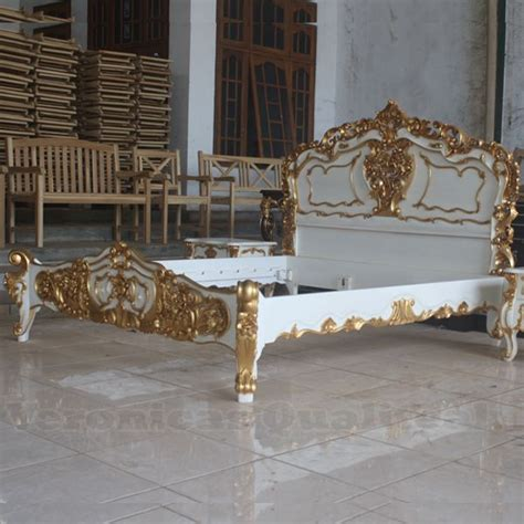 White Rococo Bedroom Furniture Antique White And Gold Bedroom Furniture Gold Bedroom Antique White Paints And White Paints