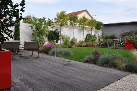 Terrasse Mit Sichtschutz 2621 by Un Jardin De Ville Moderne Terrasse En Bois